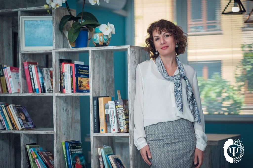 Силвия Маринова психолог