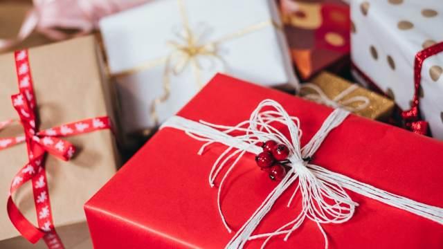 Идва време за Коледни подаръци